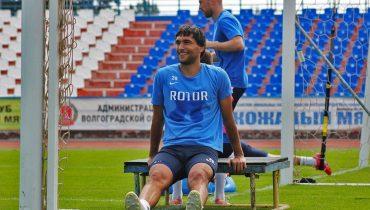 Капитан Азат Байрыев поделился впечатлениями от тренировок